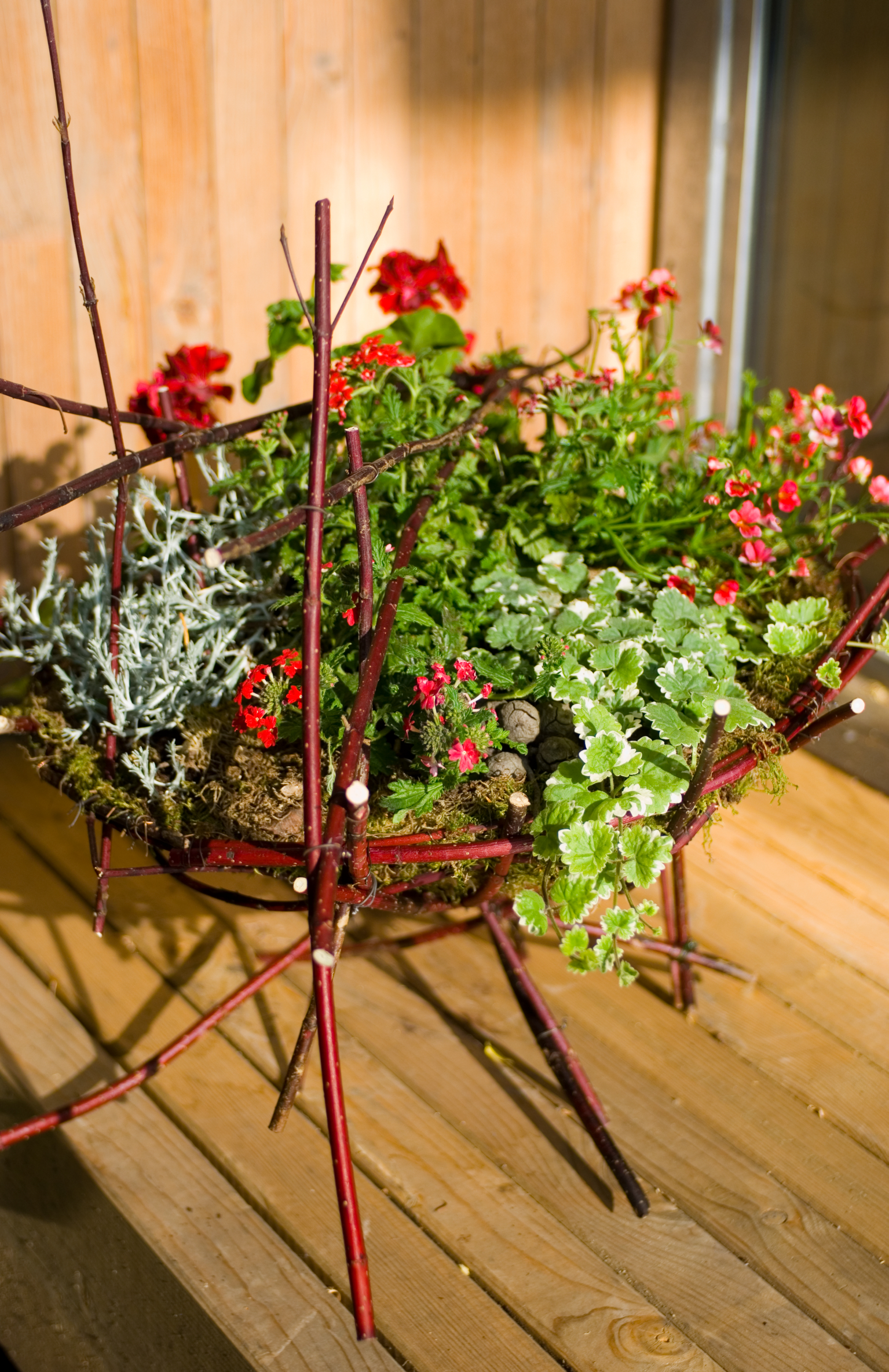 Immer das passende Geschenk – Blumenarrangements als individuelles und stilvolles Präsent zur Sommerparty