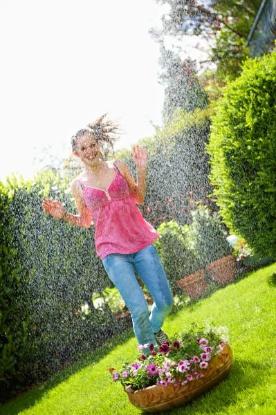 Garten im Sommer:Tipps für die richtige Bewässerung