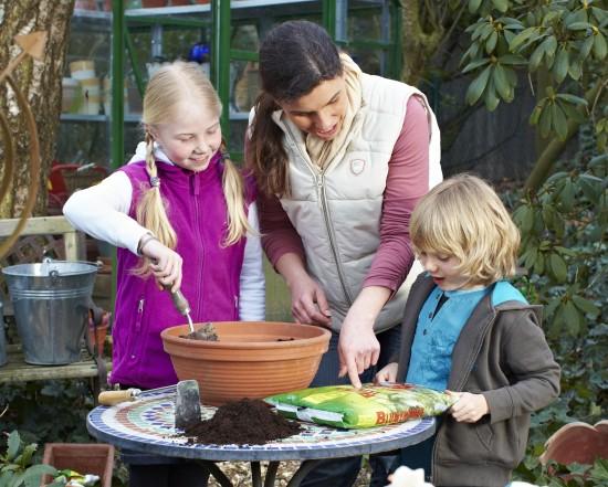Gartenarbeit wird mit den richtigen Pflanzen zum Kinderspiel