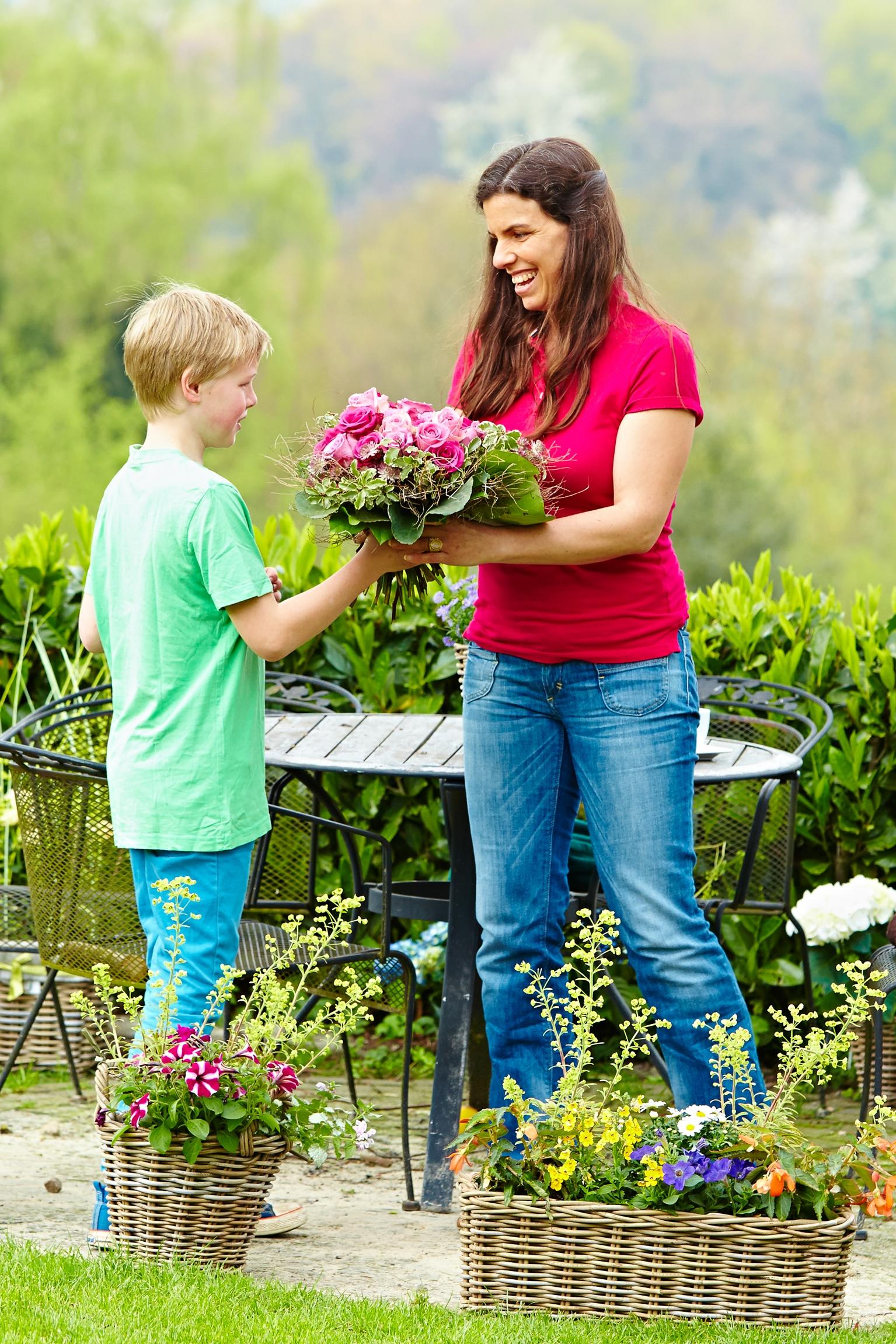Fünf gute Gründe, zu Muttertag am 10. Mai Blumen zu verschenken