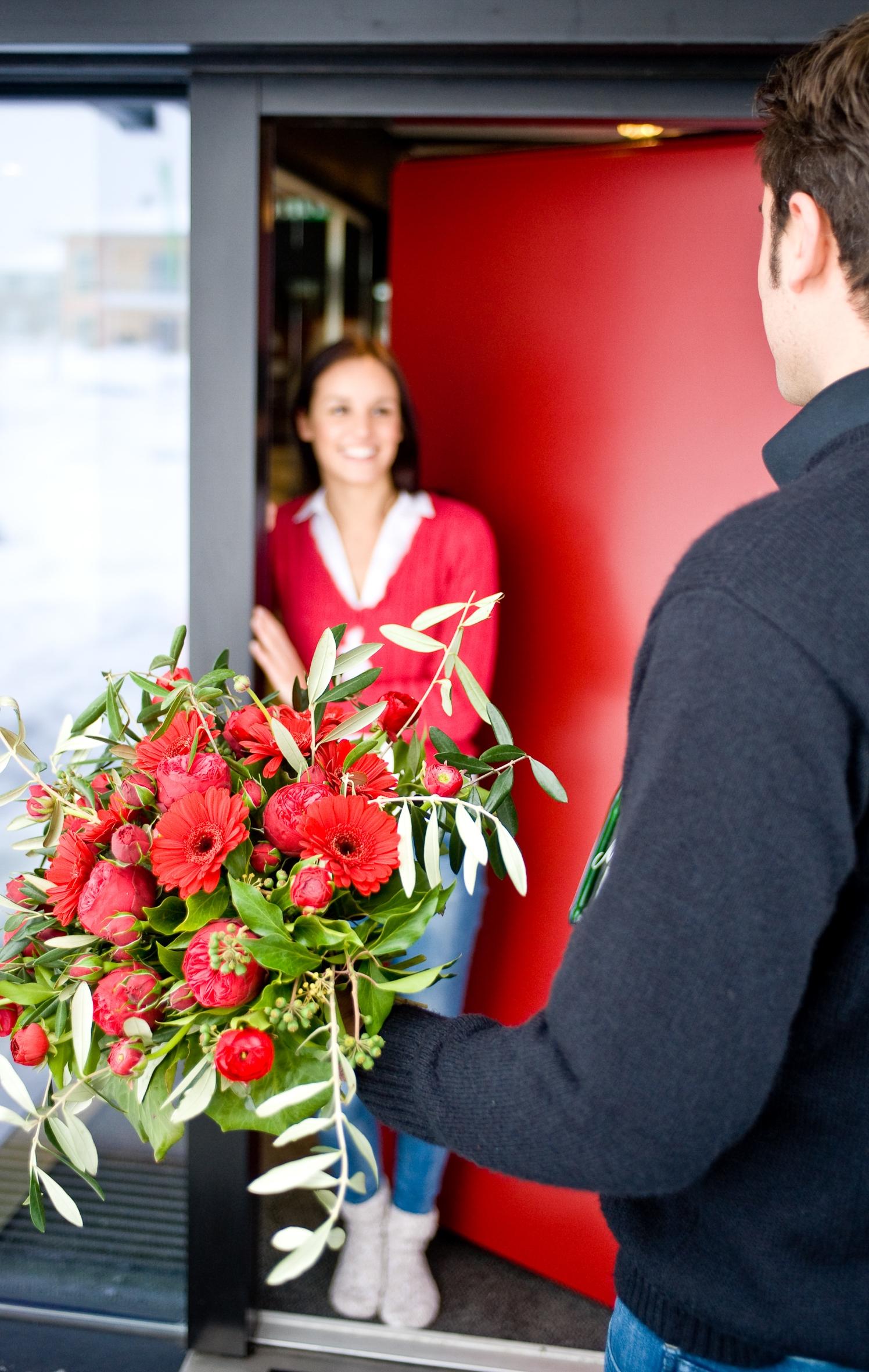 Auch für Schüchterne geeignet: Am Valentinstag einfach mal Blumen schenken