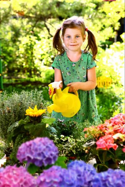 Bunte Frühjahrsblumen sorgen für natürlich schöne Augenblicke und gute Stimmung