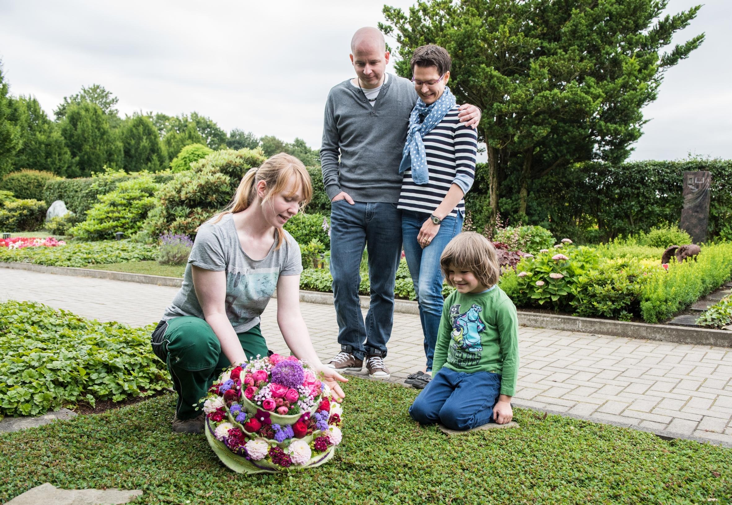 Die Erinnerung gestalten: Friedhofsgärtner sind gefragte Spezialisten