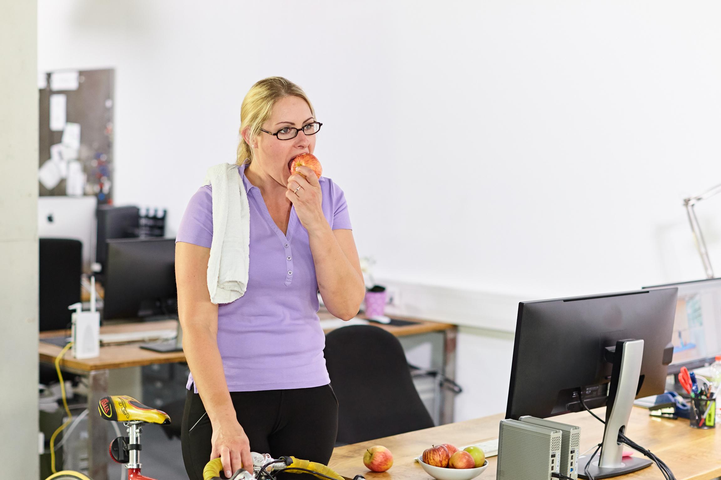 Schlank dank Äpfeln: Als Vorspeise stillt das Lieblingsobst den ersten Hunger