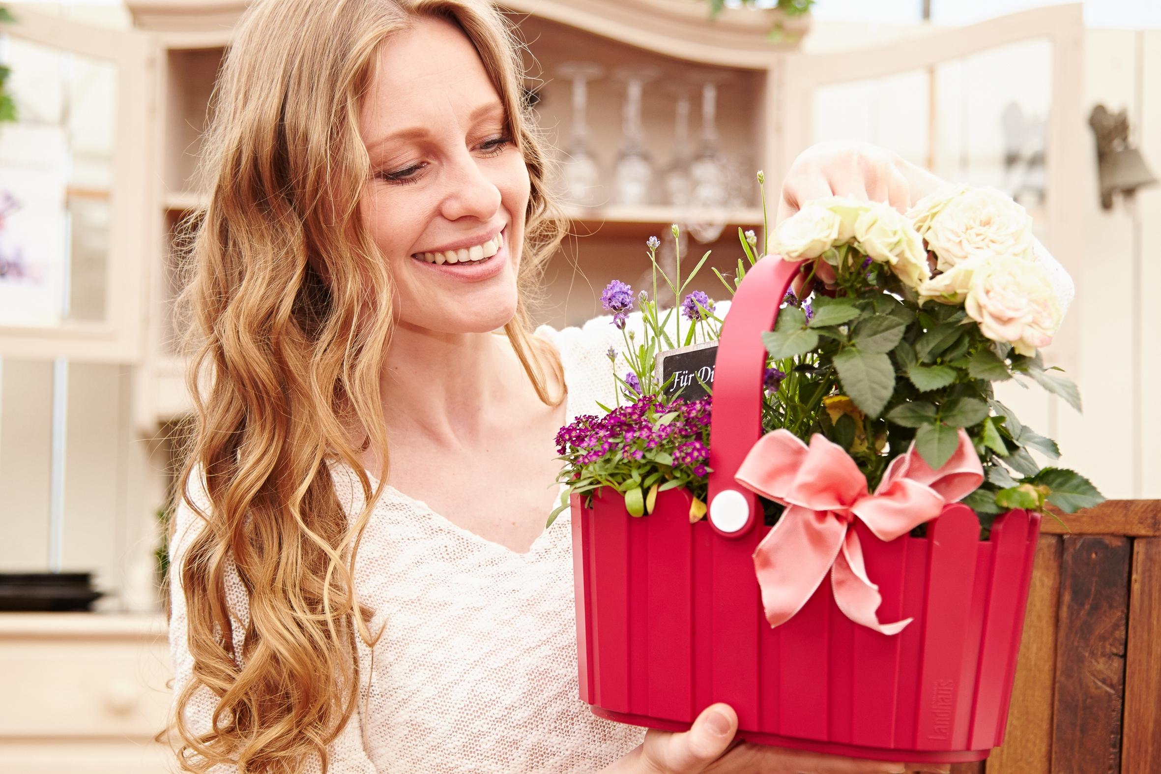 Von Ersatz- und anderen Müttern: Über Blumen am 9. Mai freut sich jede Frau