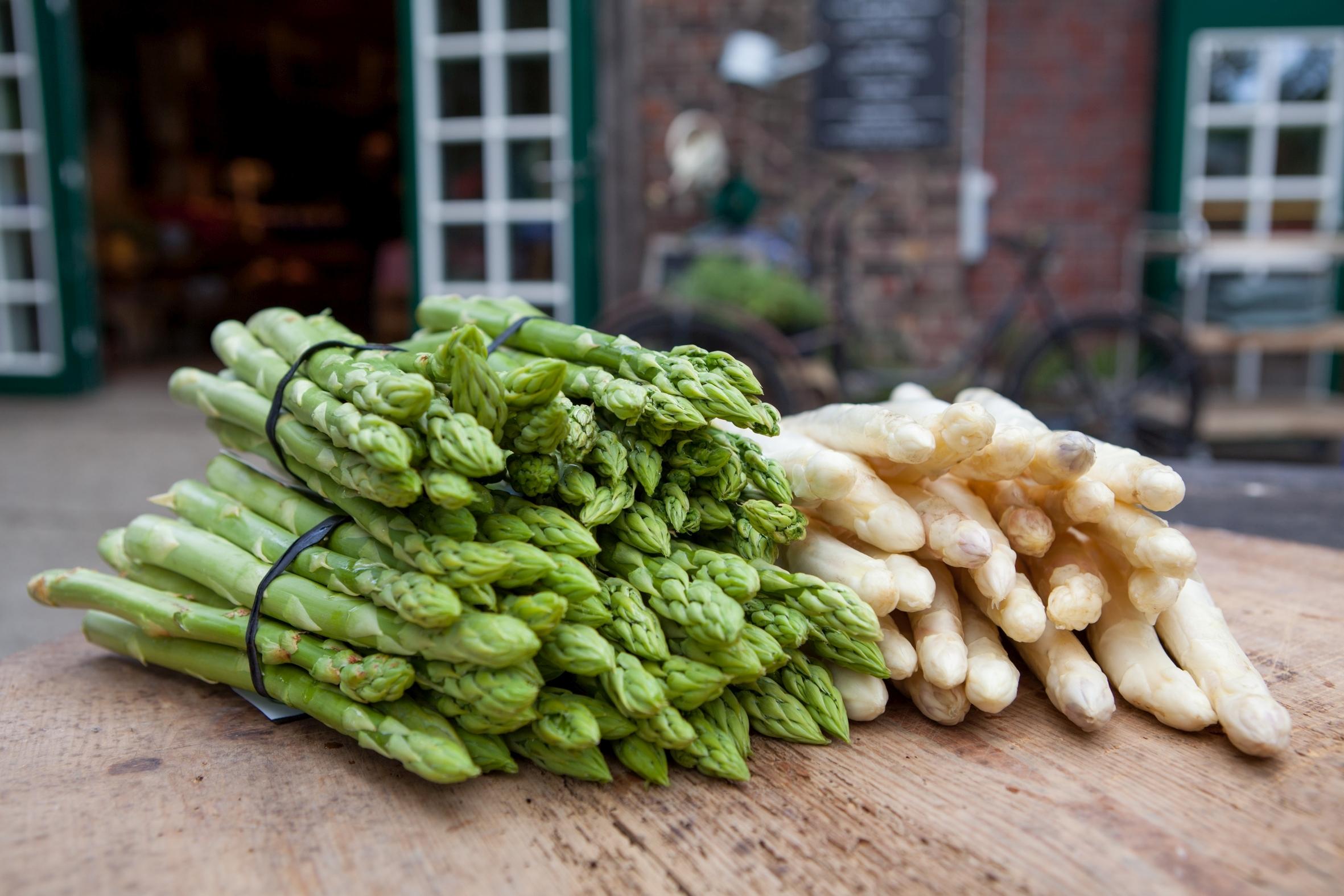 Der kräftige Verwandte: Mit grünem Spargel wird die Saison abwechslungsreicher